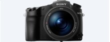 RX10 III with F2.4-4 large-aperture 24-600mm zoom lens