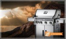 Rogue® SE 525 with Infrared Side Burner