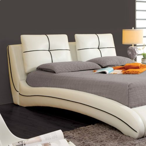 Queen-Size Ourem Bed