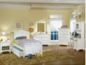 Cottage Traditions Youth Twin Panel Bed