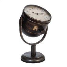 Amelia Clock
