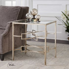 Eilinora End Table