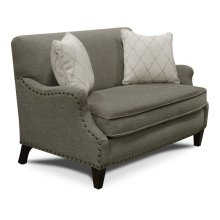 Gillian Settee with Nails 843084N