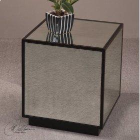 Matty, Mirrored Cube