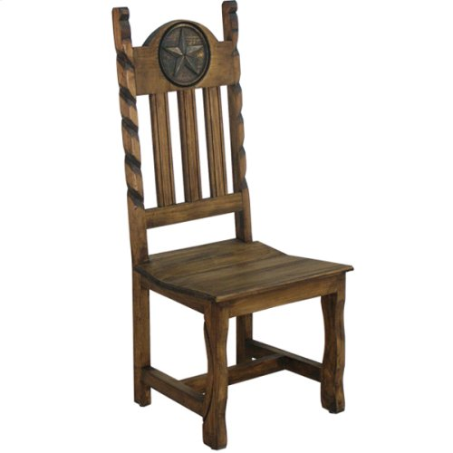 Dining chair with wooden seat with rope and star
