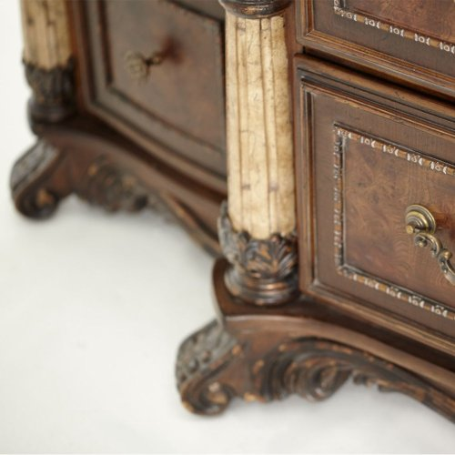 6 Drawer Chest W/side Piers