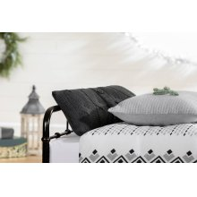 3 item kit - Printed Comforter with pillow shams, Cable-Knit Throw Pillow and Quilted Throw Pillow - 60''