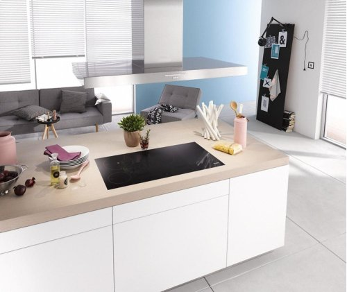 DA 424 V-6 Puristic Varia AM Island décor hood with energy-efficient LED lighting and backlit controls for easy use.