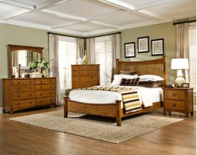 Slat Queen Bed with Standard Footboard