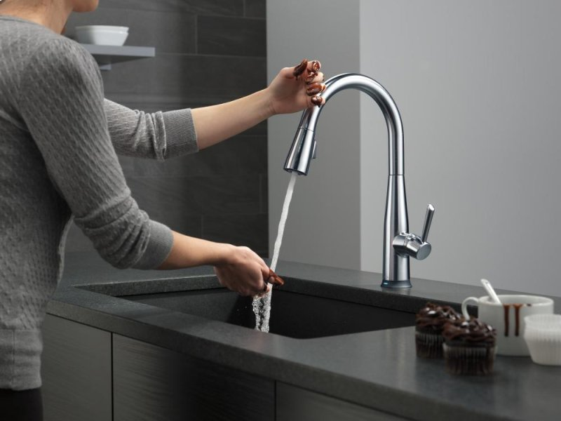 Arctic Stainless Single Handle Pull Down Kitchen Faucet With Touch 2 O Technology