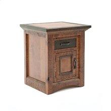 Chesapeake - 1 Door 1 Drawer Nightstand