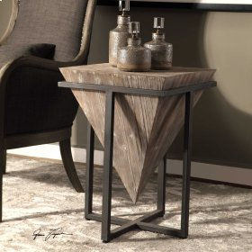 Bertrand, Accent Table