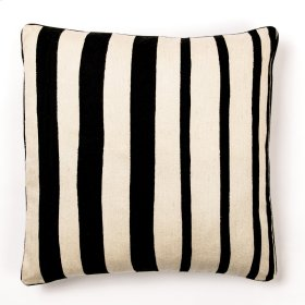 """Everly 22"""" Pillow"""