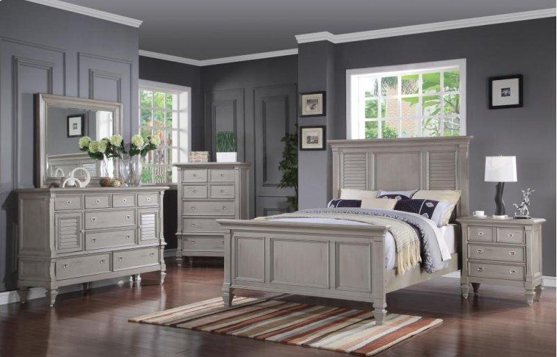 5 Pc Bedroom Queen Bed Dresser Mirror