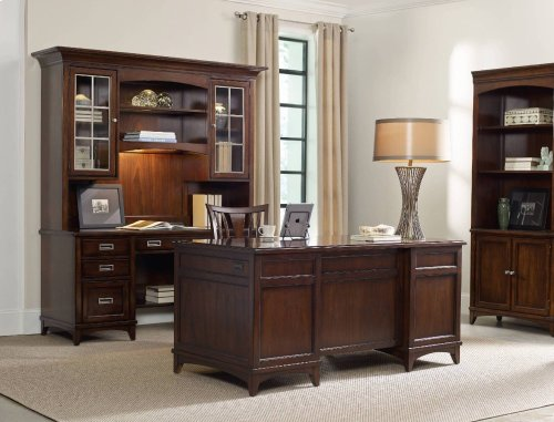 Latitude Executive Desk