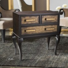 Mayra, Accent Chest