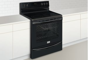 Frigidaire Gallery 30'' Freestanding Electric Range (Discontinued)