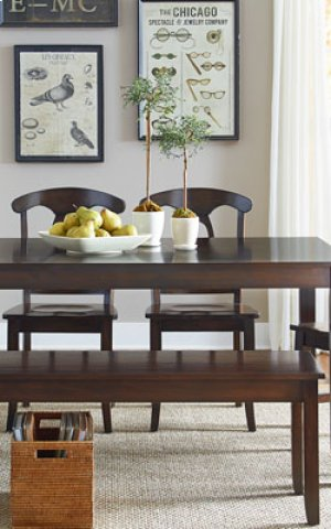 Larkin Leg Table W/4 Chairs
