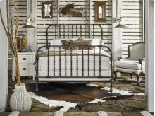 The Guest Room Queen Bed