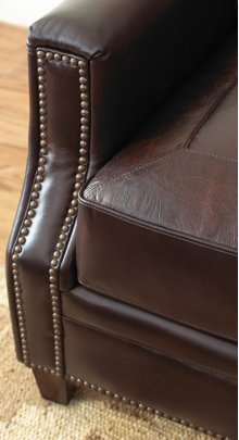 Caldwell Loveseat w/2 Accent