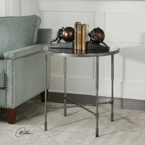 Vande Accent Table