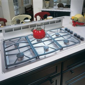 Classic Gas Cooktop,, in Black with Liquid Propane High Altitude