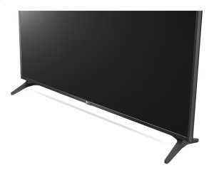 "43"" (42.5 Diagonal) Smart TV Signage"
