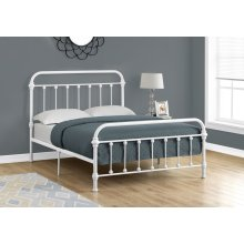 BED - FULL SIZE / WHITE METAL FRAME ONLY