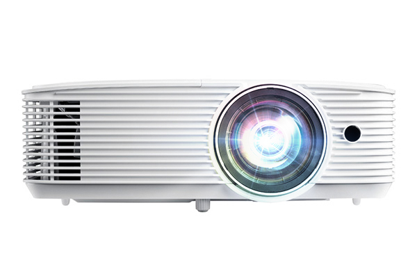 WXGA Short Throw Projector for Small Spaces