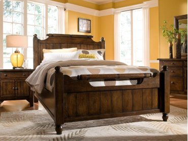 Attic Heirlooms Feather Queen Bed