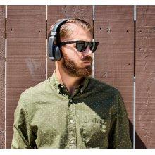 Wireless On-Ear Headphone in Black