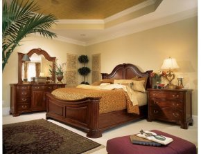 Mansion Queen Bed - Complete