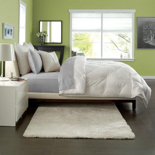 Twin Light Warmth Deluxe Down Comforter