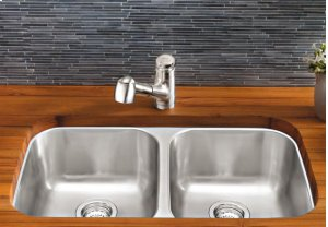 Blanco Classic Nouveau With Pullout Spray - Polished Chrome