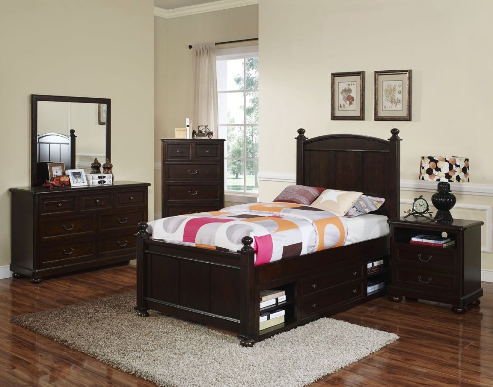 NEW CLASSIC FURNITURE Bedroom