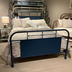 LIBERTY FURNITURE INDUSTRIESQueen Metal Bed- Navy