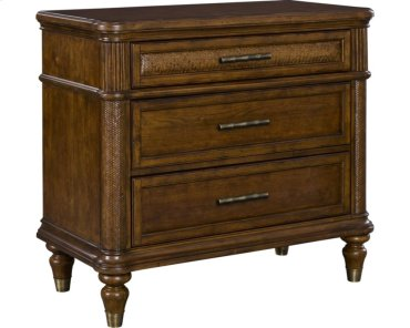 Amalie Bay Bachelors Chest