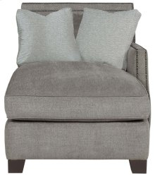Franco Right Arm Chaise in Mocha (751)
