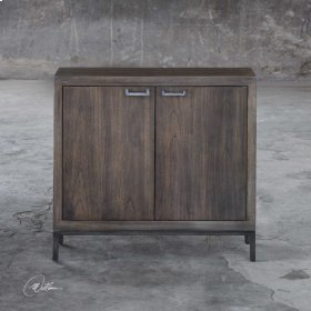 Nadie, Console Cabinet