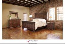 HOT BUY CLEARANCE!!! QUEEN BEDROOM GROUP: QUEEN BED, DRESSER & MIRROR & 2 NIGHTSTANDS