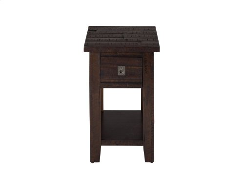 Kona Gove Chairside Table