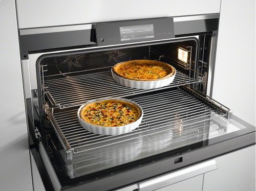 HFC 92 Original Miele FlexiClip fully telescopic runners For flexible, customized use of your oven.