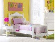 Lauren Twin Post Bed Set Product Image