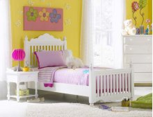 Lauren Twin Post Bed Set