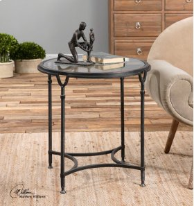 Samson, Side Table