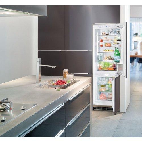 "24"" Integrated Refrigerator/Freezer"