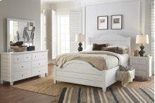Chesapeake 3 Piece Queen Bedroom Set: Bed, Dresser, Mirror