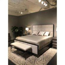 Horizon Upholstered Bed - Flannel / Queen