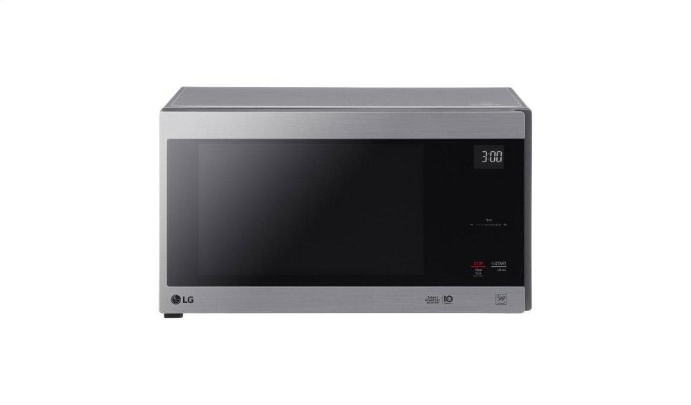 1.5 cu. ft. NeoChef Countertop Microwave with Smart Inverter and EasyClean(R)