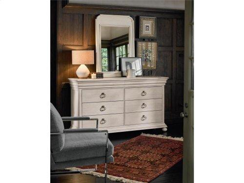 Elan Dresser